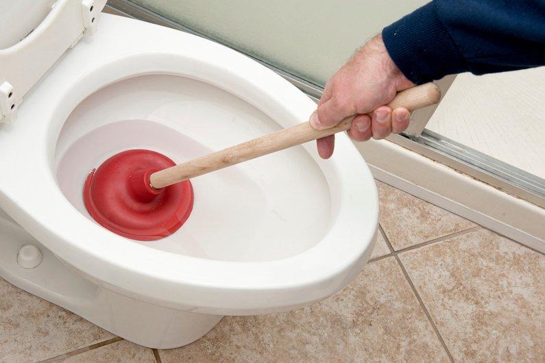 a toilettes ou toilettes
